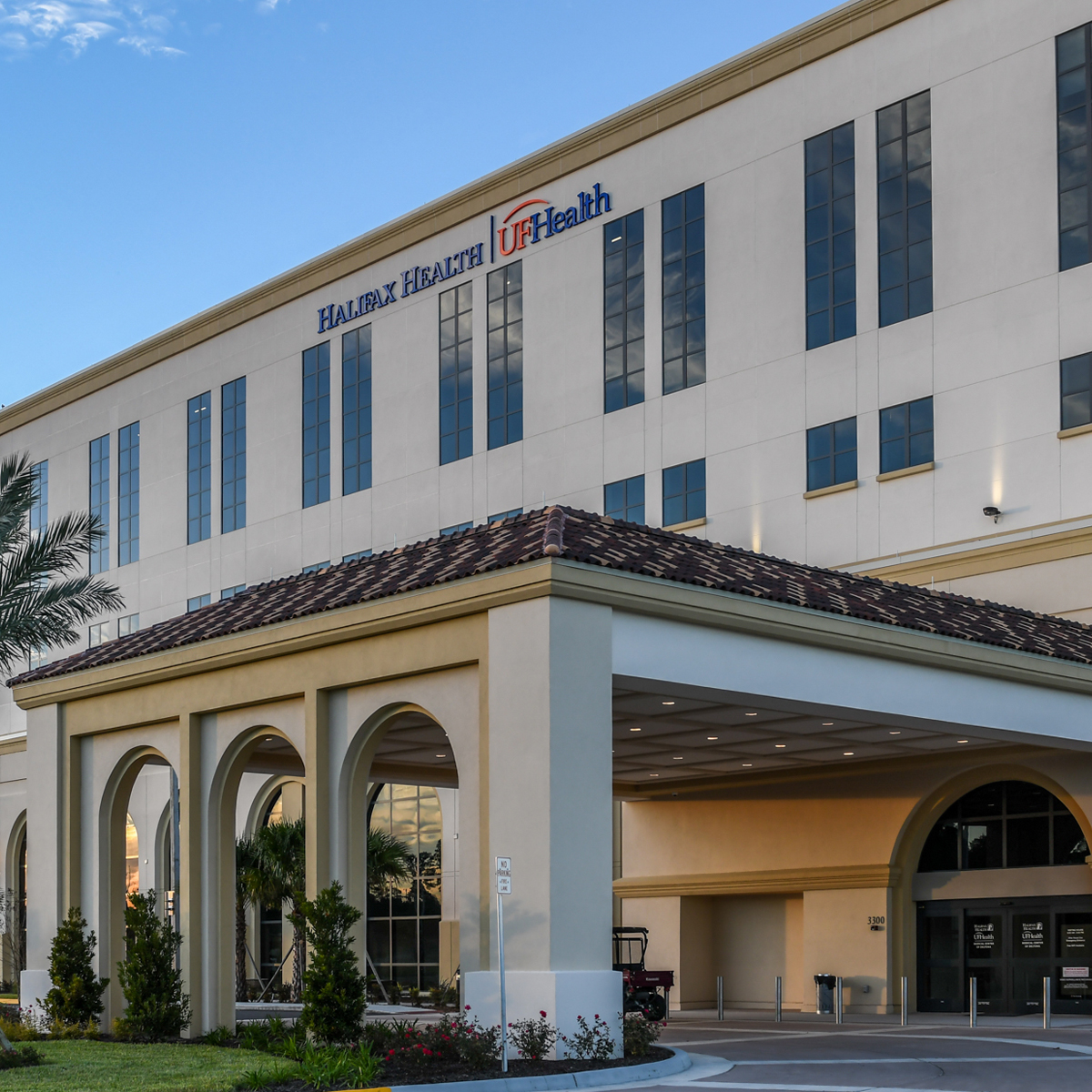 Image of the Exterior of Halifax Health | UF Health - Medical Center of Deltona